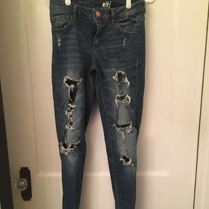 3/$20✨Distressed High Waist Jeggings